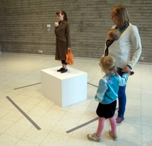 Mueck - Woman With Shopping 2013.